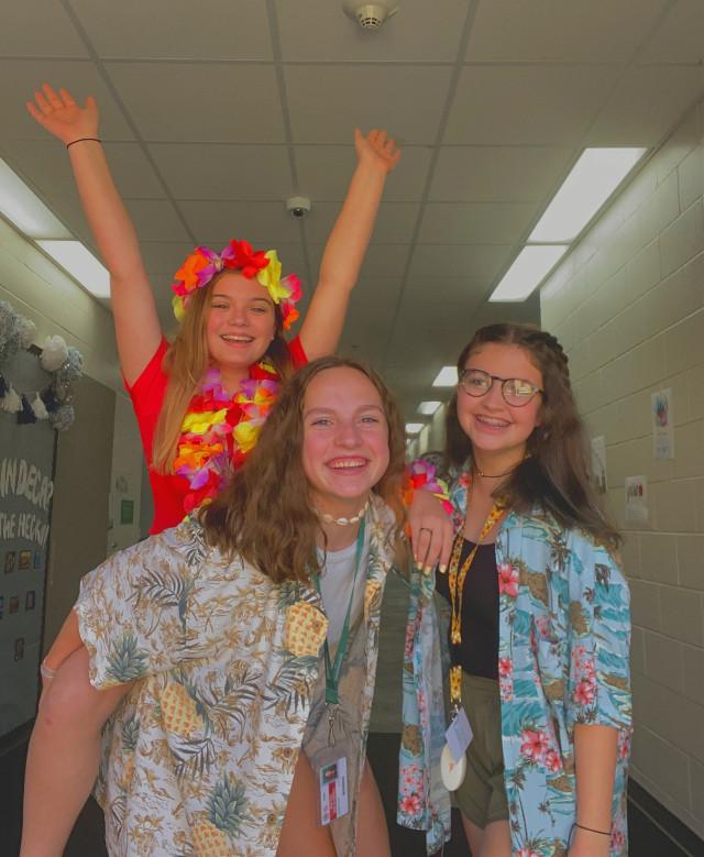 Maui Monday with @bekah-boo and Kaegan #hoco #schoolspirit