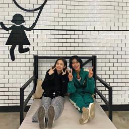 freetoedit jennie hoyeonjung squidgame besties bffs squid game bed bankbed local
